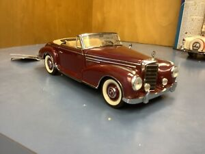 FRANKLIN MINT 1957 MERCEDES BENZ 300 SC   BURGUNDY 1/24 loose issues paint