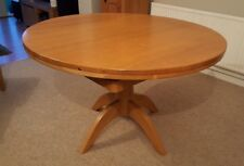 Round Oak Extendable Table 4-6 seater