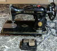 Singer 15J Vintage Sewing Machine 1954-61 Black Badge Made in Canada
