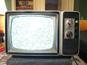 """Vintage ZENITH 12"""" CRT B&W TV 1980s Gaming Solid State Television WORKS"""