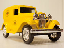 ERTL 1932 FORD Panel Truck w / Spare, PENNZOIL Bank #9017UP NOS