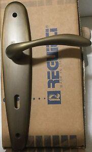 Maniglia Reguitti Lory A127 bronzato graffiato opaco su placca  foro patent