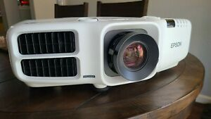 Epson PowerLite Pro G6550WU 5200 Lumens 1920 x 1200 5,000:1 3LCD Projector