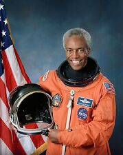 """NASA - Astronaut / Dr. Guion Stewart """" Guy """" Bluford 8 x 10 GLOSSY Photo Picture"""