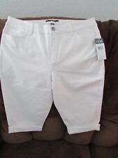 """Ladies """"Chaps"""" Size 8, White, Mid Rise, Jeans Style, Rolled Cuff, Capris"""