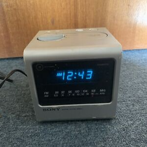 Vintage Sony Digital Clock Alarm AM/FM Radio ICF-C11W