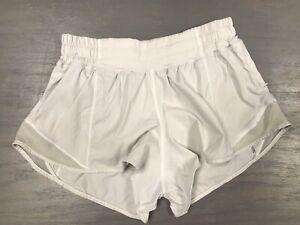 """LULULEMON Hotty Hot Shorts 2.5"""" Size 4 White Barely Beige W7AH0R  EUC"""