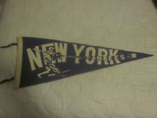 Vintage Hitting New York Yankees 27 Inch Pennant