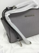 BNWT Michael Kors Pearl gray  Selma Medium Messenger Crossbody bag Rrp £220