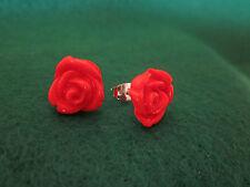 Orecchini a vite a forma di roselline in fimo rosse!