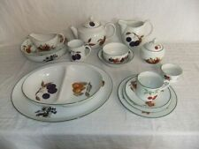 Evesham Vale White Royal Worcester Porcelain & China