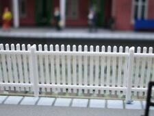 RATIO 421 00 SCALE GWR Station Fencing White 680mm