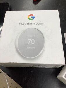 Google Nest Smart Thermostat, Snow - GA01334-US USED MISSING SCREWS