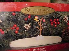 1995 HALLMARK PEANUTS DISPLAY A CHARLIE BROWN CHRISTMAS Tree Snow base WOODSTOCK