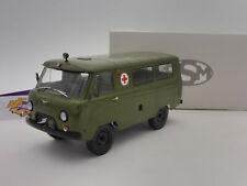 "Start Scale Models SSM2006 # UAZ-452A Bj. 1965 "" Militär Ambulance "" 1:18"