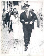 1936 American Olympic Swimmer Eleanor Holm Jarrett & Husband Art Press Photo