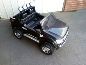 Licensed 4 WD 4x4 Ford Ranger Wildtrack Kids Ride On Truck (Used)