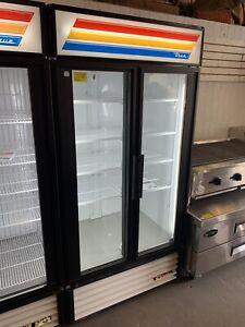 True GDM-35-  Merchandiser Refrigerator- New- 120v