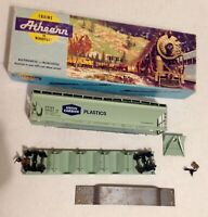 Athearn #1921 Union Carbide ACF Center Flow Hopper