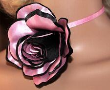 Halsband Brosche große Rose 10 cm Satin rosa schwarz victorianisch Vintage NEU