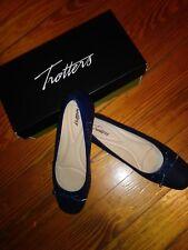 EUC Trotters Womens Dress Shoes Navy Size 10.5 N Sante Laser