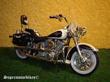 1:18 Harley Davidson FLSTN Heritage Softail Nostalgia Weiss 1993 / 02341