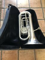 34-P8001 JUPITER BARITONE EUPHONIUM //TUBA PLASTIC VALVE GUIDE WITH METAL PLATE