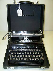 Antique 1937 Royal DeLuxe Vintage Typewriter #A711205