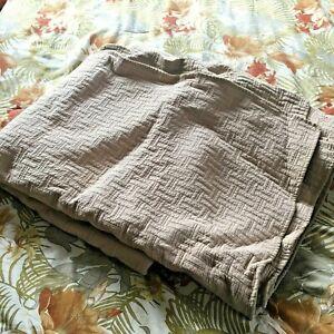 Oatmeal Tan Summer Quilt, Queen Size