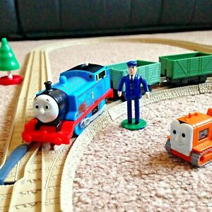 Thomas and Friends TrackMaster Starter Trainset + Terence & Accessories Battery