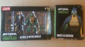 Batman vs Teenage Mutant Ninja Turtles TMNT Alfred Michelangelo, Mikey as Batman
