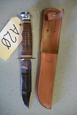 Ka Bar 1207 Hunting Knife with sheath - Excellent Condition