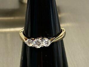 585 GG Gold Ring mit 3 x Brillant lupenrein Gesamt ca 0.45 Carat  Gr 18