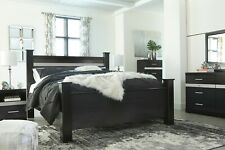 Ashley Furniture Starberry Queen Poster 6 Piece Bedroom Set