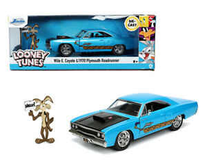 """Jada 1:24 """" Looney Tunes"""" 1970 Plymouth Road Runner W/ Wile E Coyote Model 32038"""