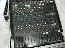 YAMAHA EMX5016CF POWERED MIXER WITH ROAD CASE AND CONSOLE LAMP.