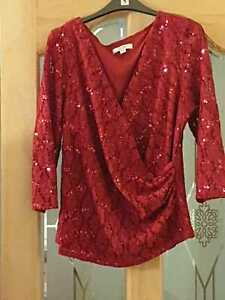NIGHTINGALES  RED LACE & SEQUIN V NECK WRAP TOP SIZE 16