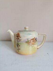 """Royal Doulton Series Ware """"English Cottages"""" (D4987) 1.5 Pint Tea Pot"""