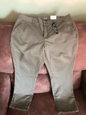 a.n.a. Capri Pants Womens 32/14 Olive Green Mid-Rise Cropped Ankle NWT