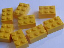 Lego 8 briques jaunes set 60062 8037 75874 7636 / 8 yellow bricks
