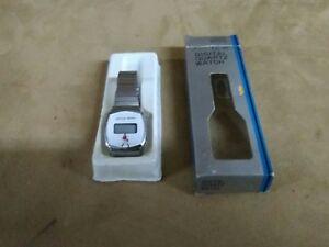 very rare digital quartz Johnnie Walker watch with original package very old ver