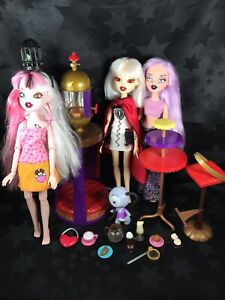 Bratzillaz Dolls - Cloetta, Jade, Yasmina, Zap Cafe