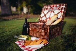 Icon Chef Willow Picnic Basket with Cutlery and Crockery