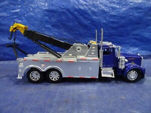 1/32 NEW RAYDIECAST & PLASTIC KENWORTH W 900  TOW TRUCK, NO PACKAGING # 43