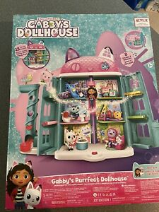 DreamWorks Netflix Gabby's Purrfect Dollhouse With 15 Pcs Toy Figures NEW!
