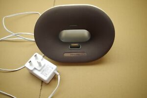 Philips Fidelio Docking Speaker DS3020 for iPod/iPhone 30-pin & Aux In /Yellowed