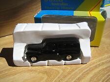 TRAX  8003     FJ  VAN    Black