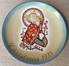 """Schmidt 1975 Christmas plate """"Christmas Child"""" Berta Hummel"""