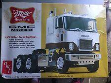 AMT Miller GMC Astro 95 Truck Tractor Model Kit 1/25 Complete Unbuilt