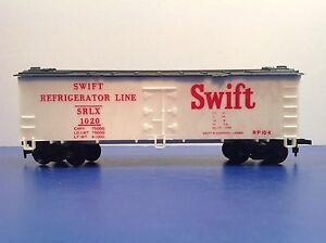 """HO Scale """"Swift"""" Wood Side Billboard Reefer Freight Train Car / Swift 1020"""